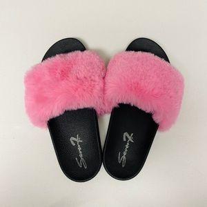 Seven7 Pink Fuzzy Women's Shoes -Slides